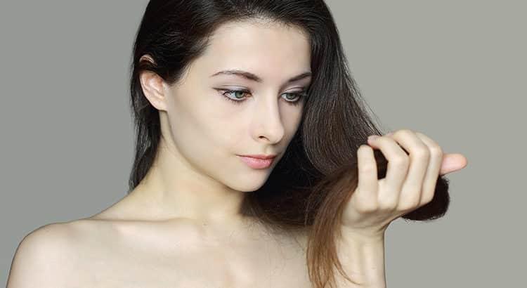 Die richtige Pflege für trockene Haare