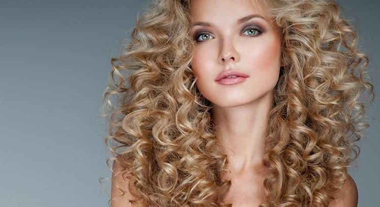 Dauerwelle frauen blond