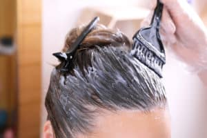 Kann Haare färben in der Schwangerschaft dem Kind schaden