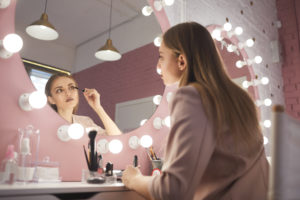 Make up und Haar-Styling brauchen perfektes Licht.