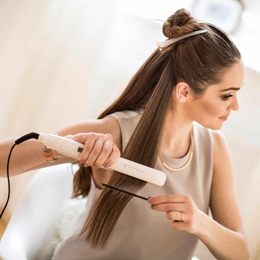 Haare Glätten Leicht Gemacht Auch Bei Widerspenstigem Haar